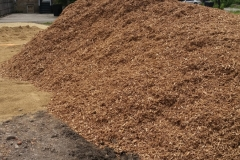 wood chips for outdoor bed