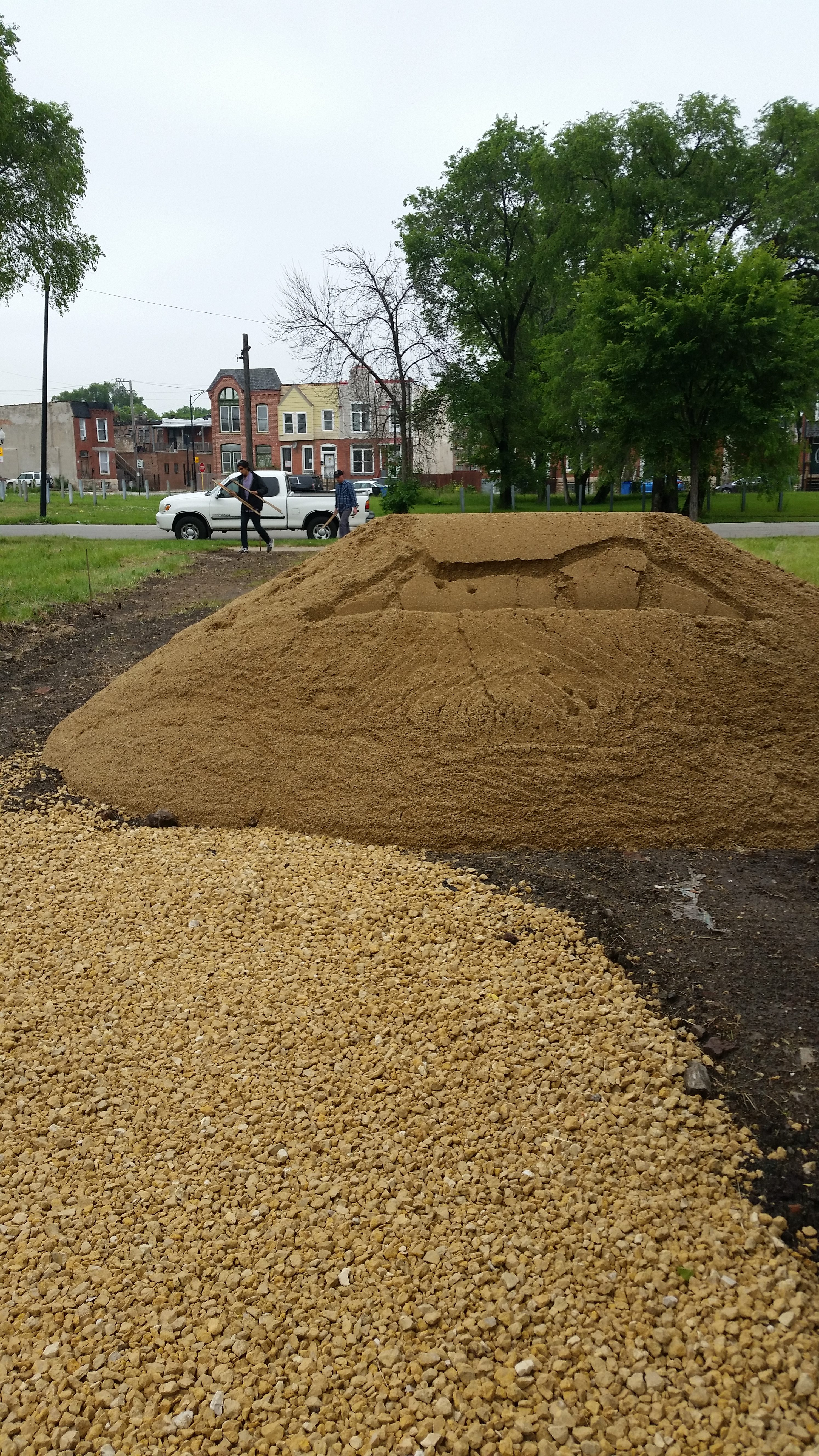 sand delivery for outdoor bed
