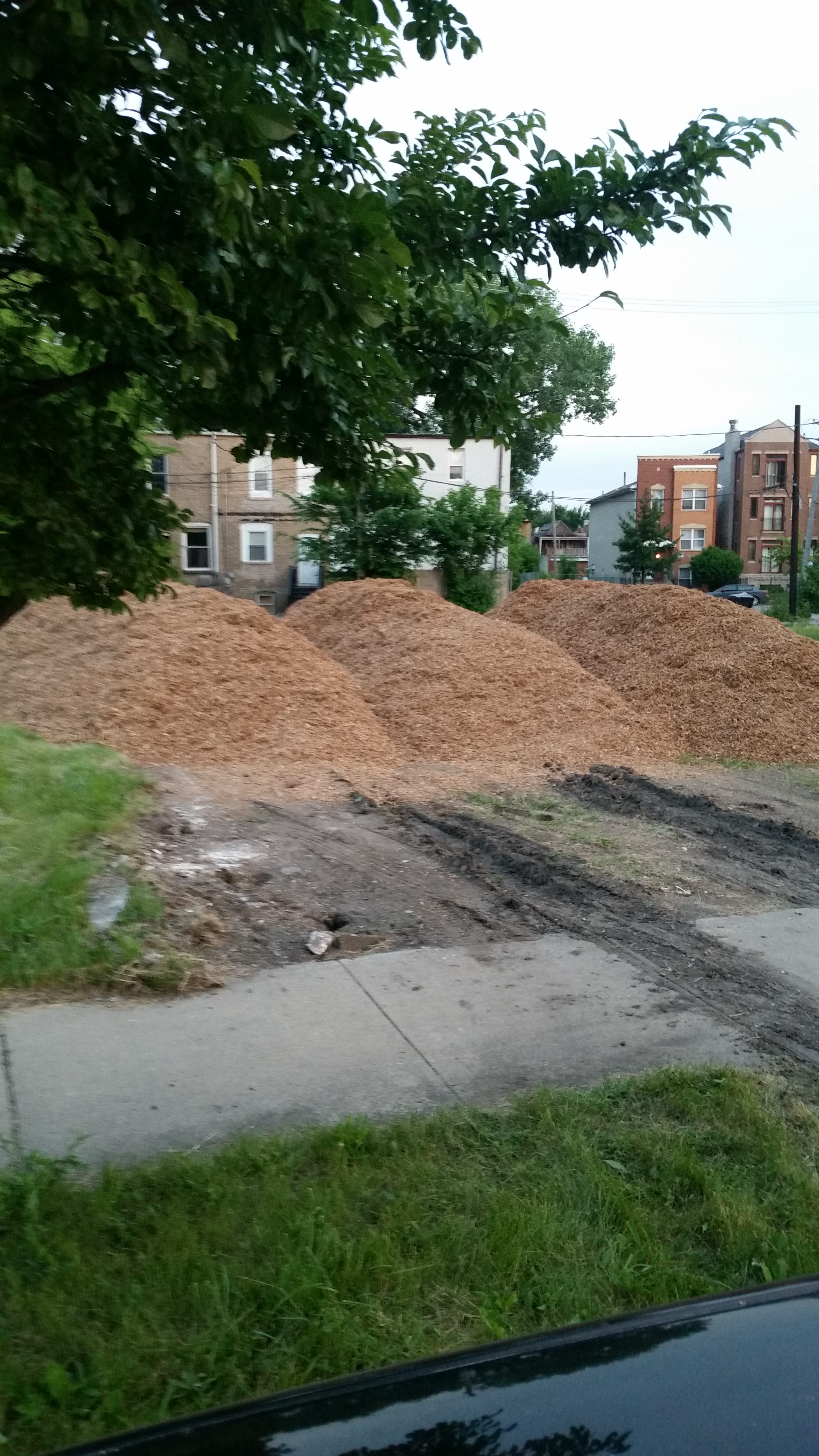 wood chips for outdoor bed have arrived