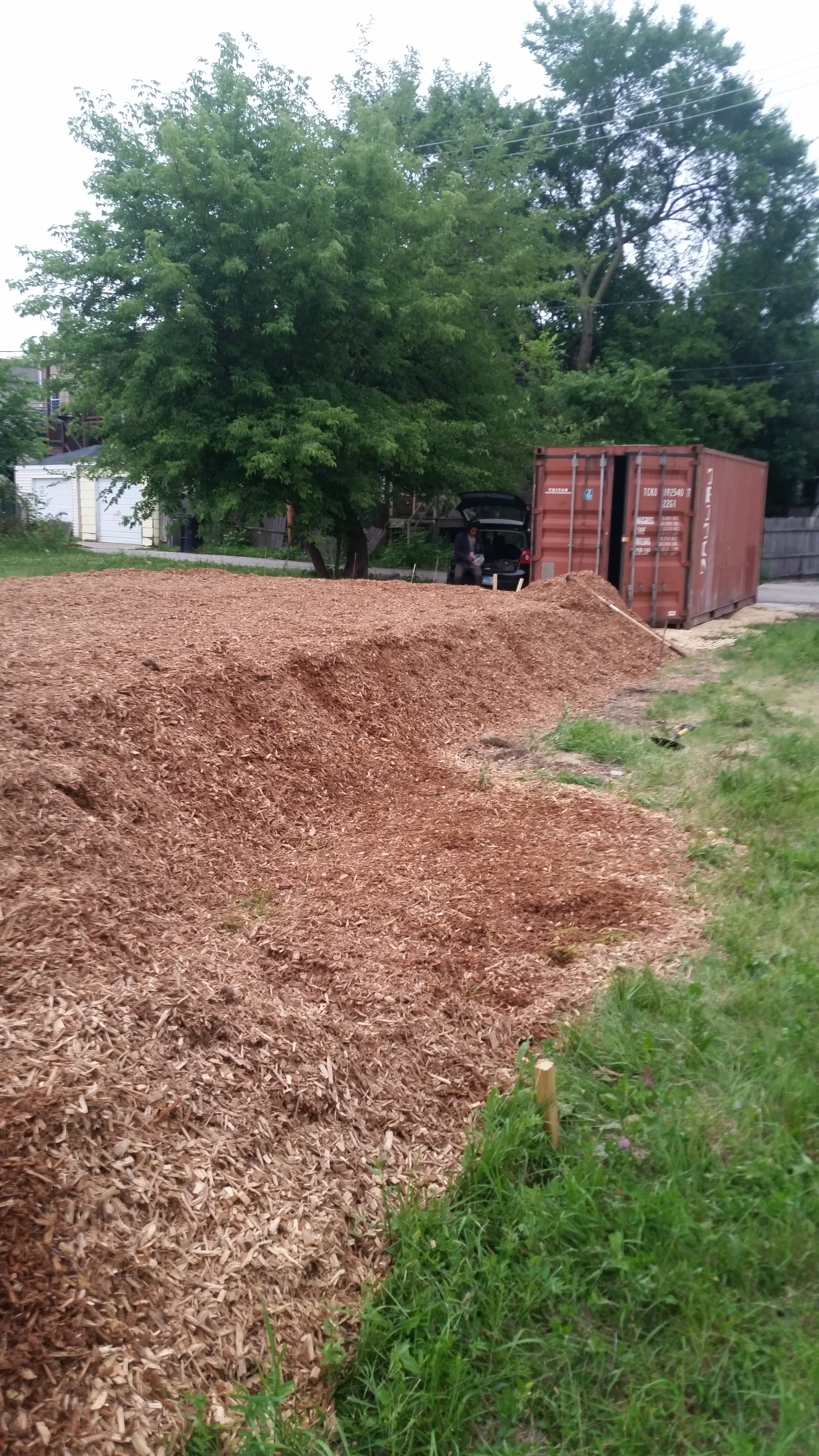 4 feet of woodchips over liner